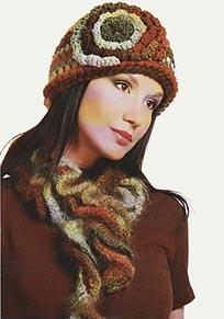 шапка с цветком и шарф