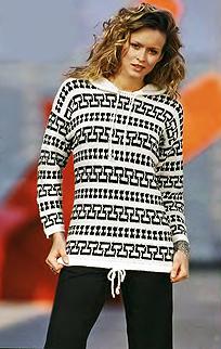 черно-белый пуловер с капюшоном