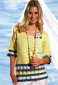 пуловер с цветочной каймой
