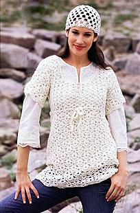 ажурное мини-платье и шапочка