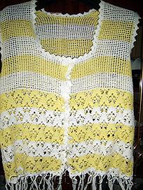 желтая кофточка