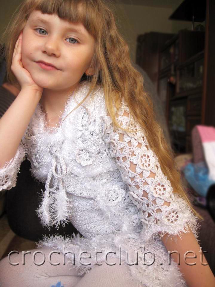 Белое платьице и болеро для