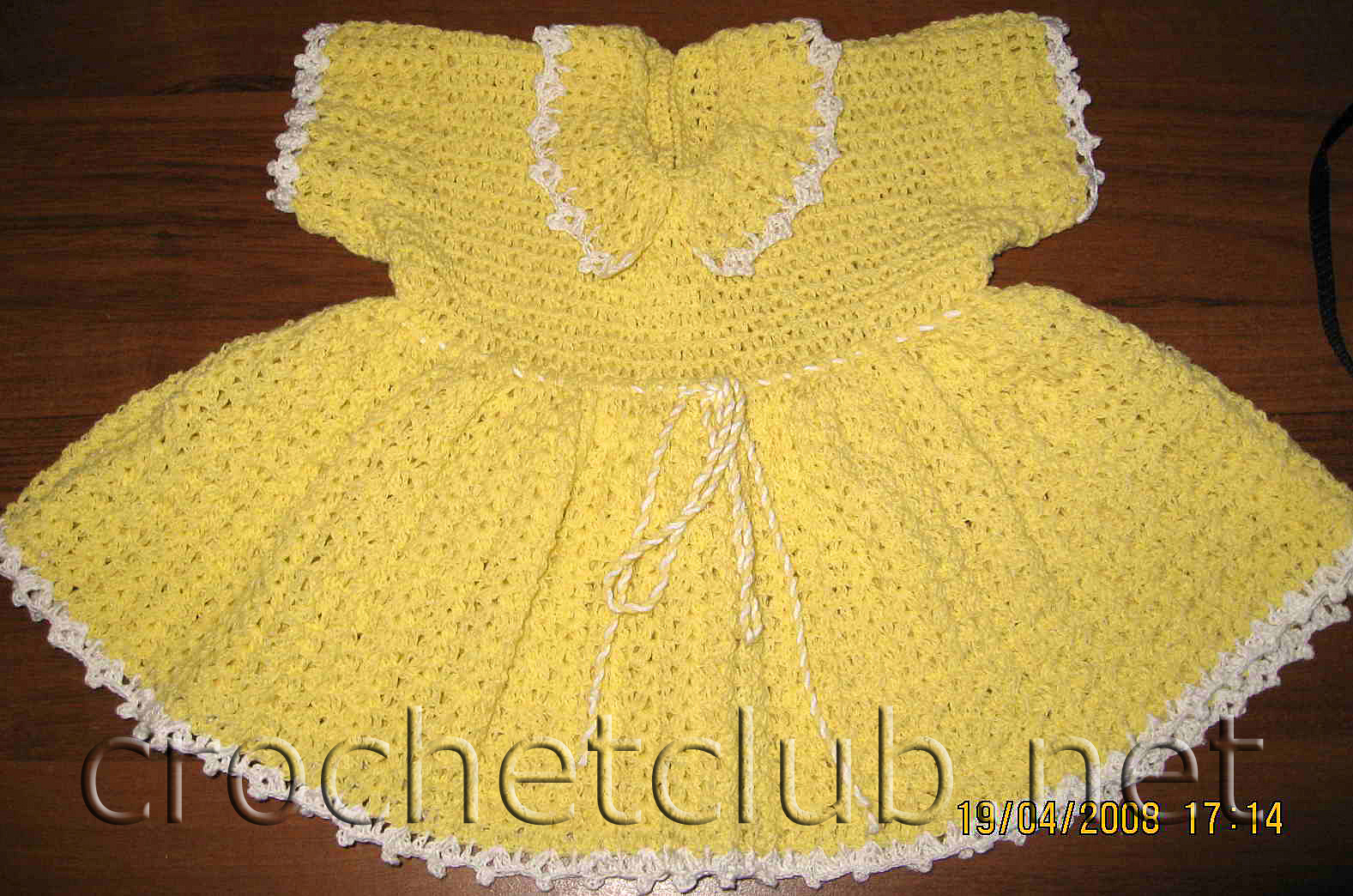 Вязаные крючком детские платья