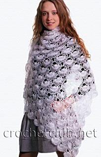 белая шаль, связанная на вилке