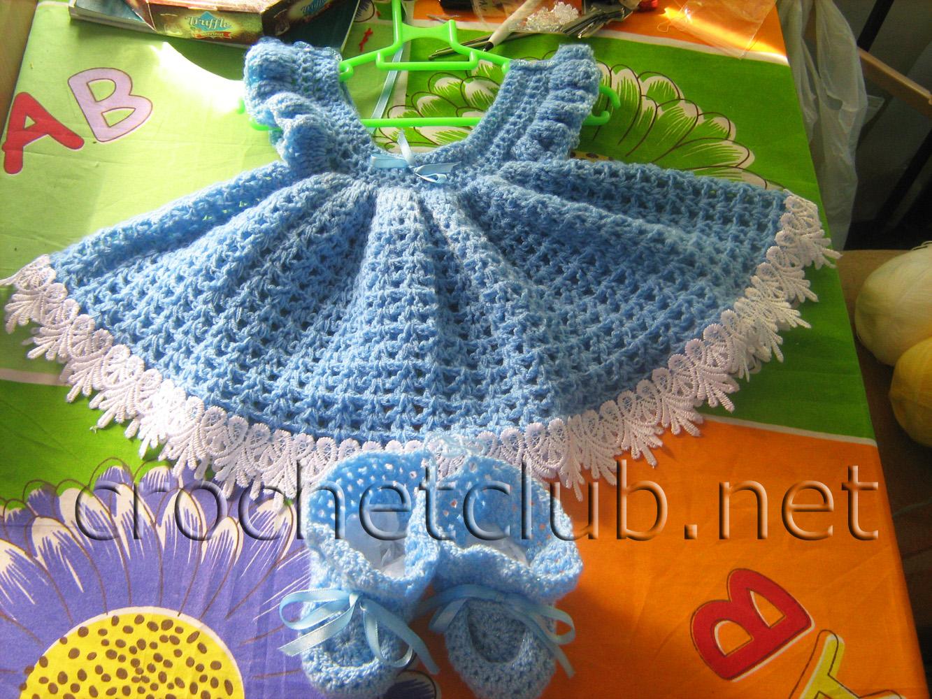 вязаное платье на малышку описание схема