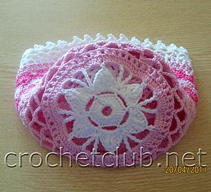 розовая шапочка для девочки 1