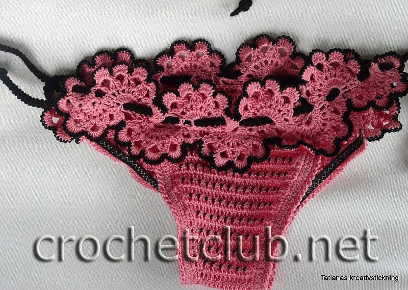 ...30 грамм мерсеризованного хлопка Grandi розового цвета и немного чёрного для отделки и шнуров; чёрный бисер...