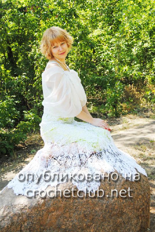 Свадебное платье, связанное крючком из шелка - работа Елены Кускеевой.