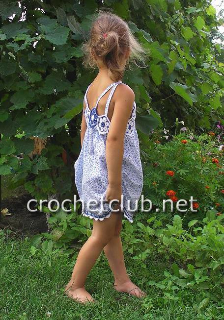 Платье на девочку ткань и вязание крючком 4