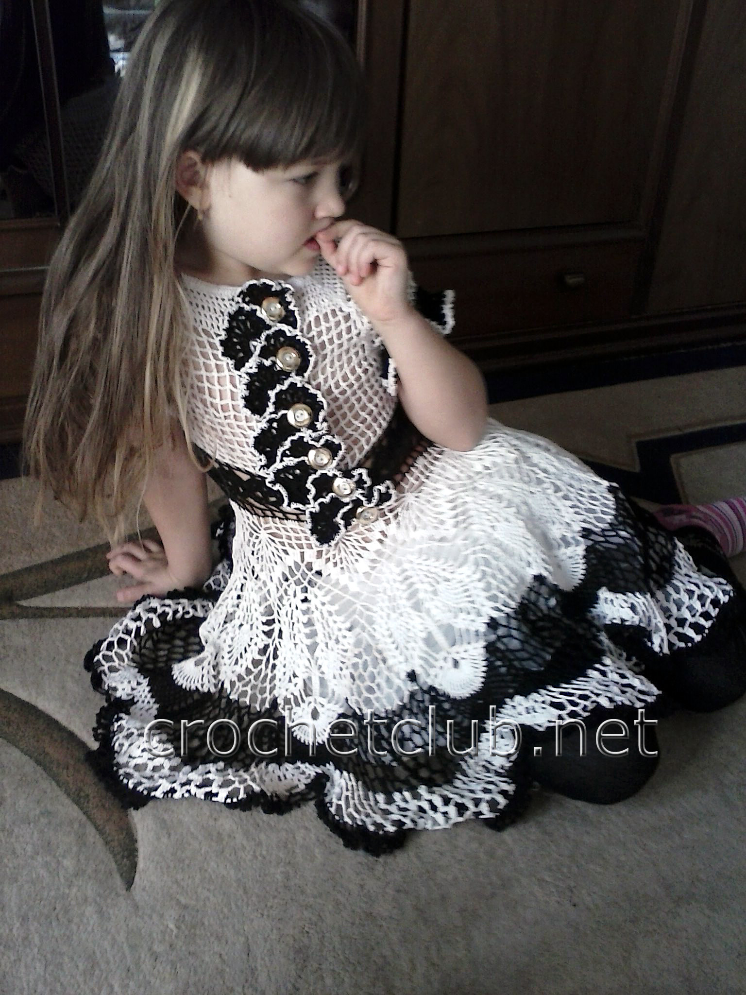 Шикарное платье на девочку крючком