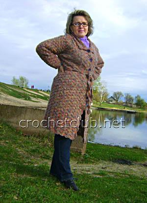 пальто крючком с отложным воротничком