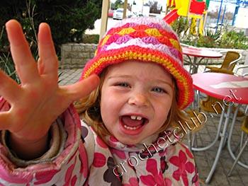 детская вязаная шляпка 2