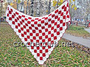 красно-белая шаль из квадратов