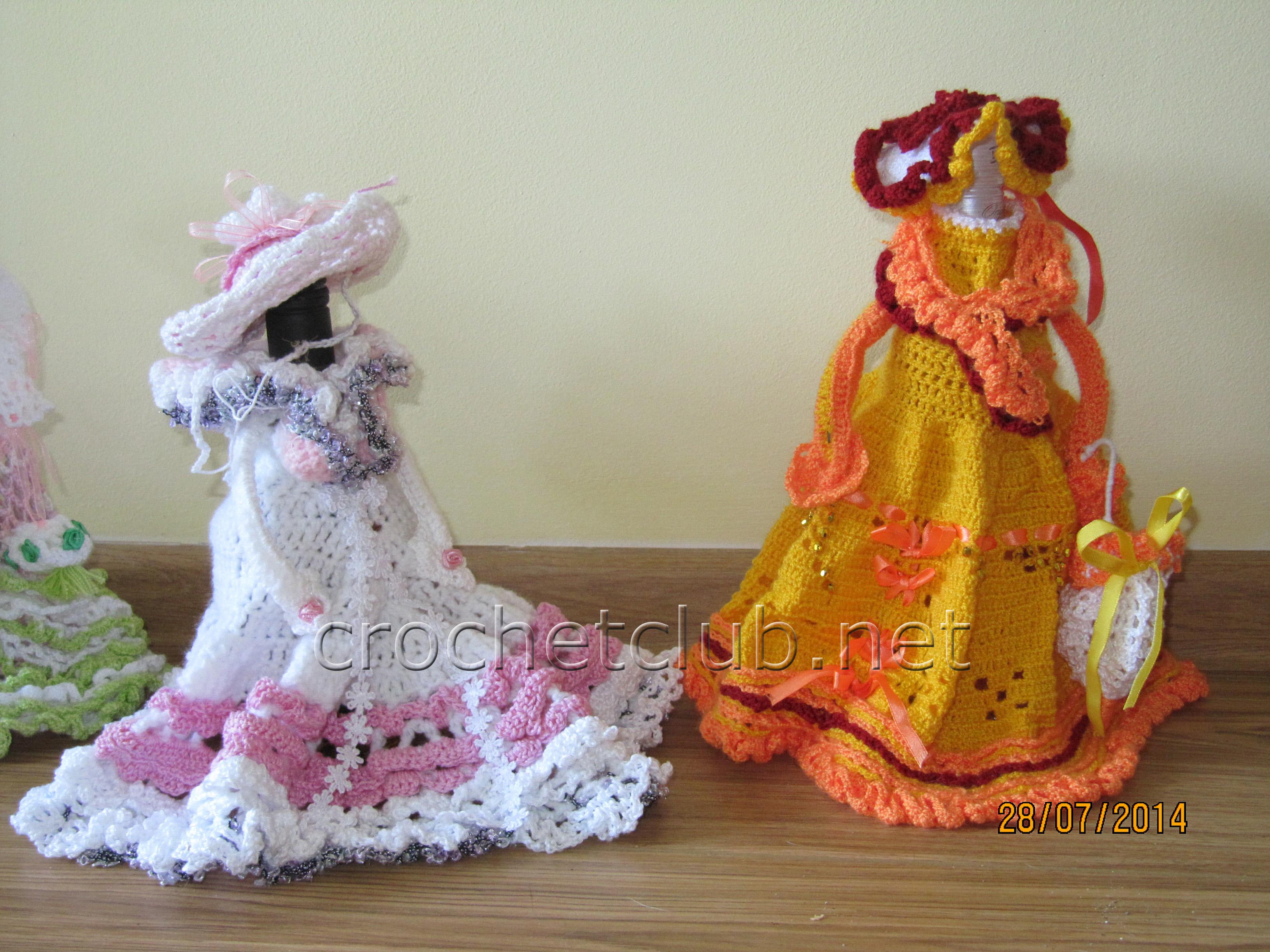 Платье на бутылку крючком