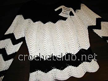 пуловер связанный волнистым узором 1