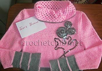 розовый свитер связанный крючком 1