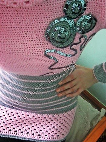 розовый свитер связанный крючком 2