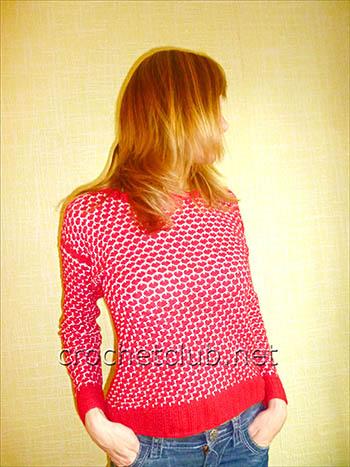 пуловер связанный двухцветным узором