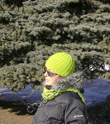 шапка со спиральным узором
