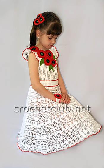 вязаное платье маков цвет