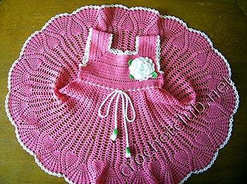 вязаное розовое платье 1