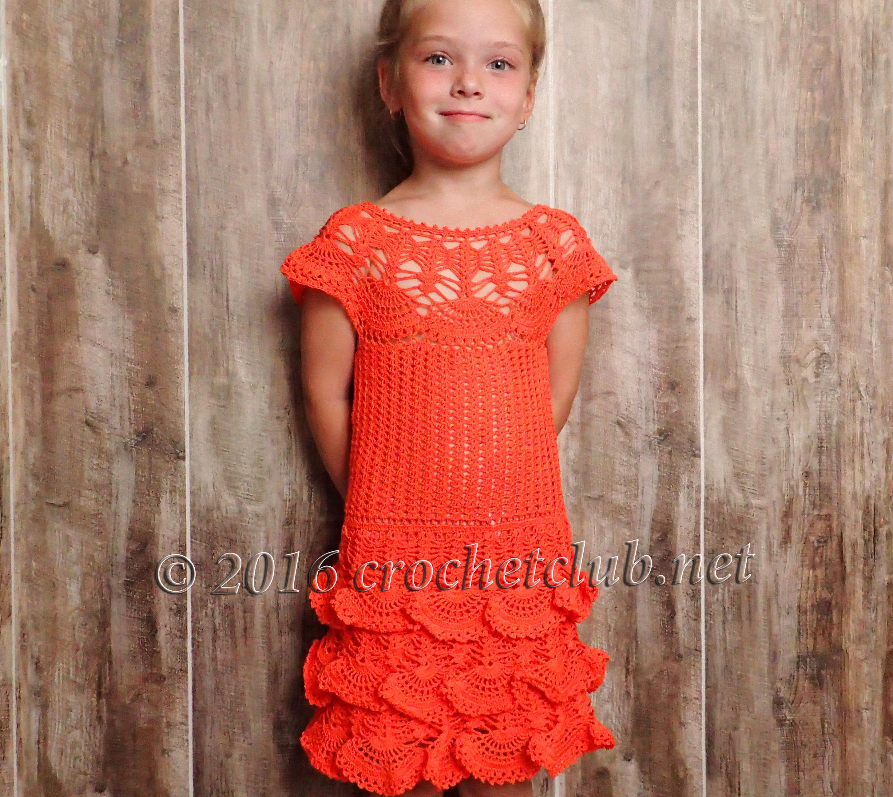 Вязание платье на круглой кокетке для девочки спицы