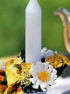 Венок из вязаных цветов