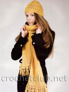 Шапочка и шарфик, связанные на вилке