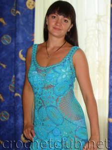 Платье, связанное в технике наборного кружева