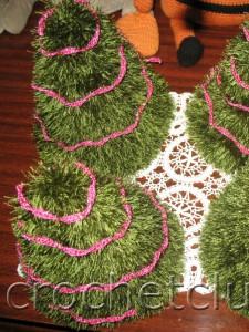 Новогодние елочки, связанные крючком