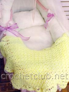 Желтое одеяльце для малыша