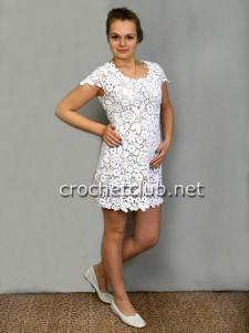 Платье в технике сцепного гипюра