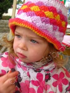 Детская вязаная шляпка
