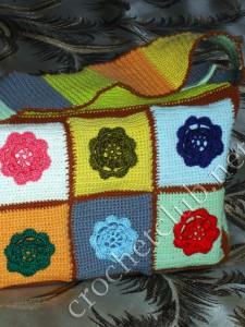 Сумочка из разноцветных квадратов