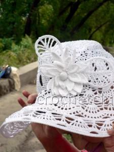 Экстравагантная шляпа, связанная крючком