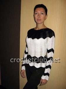 Пуловер, связанный волнистым узором