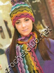 Разноцветная шапка и шарф