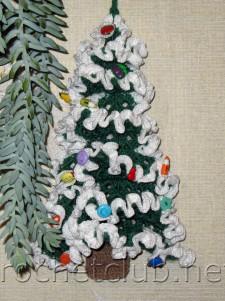 Новогодняя елка, связанная крючком