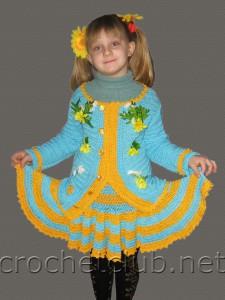 Вязаный костюм для девочки