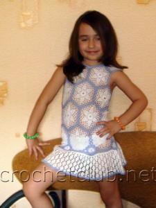 Детское платье из мотивов
