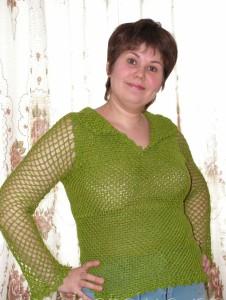 Пуловер зеленого цвета