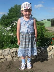 Вязаный комплект для девочки 4-5 лет
