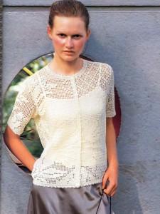 Блузка с узором из тюльпанов