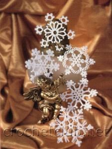 Снежинки, связанные крючком
