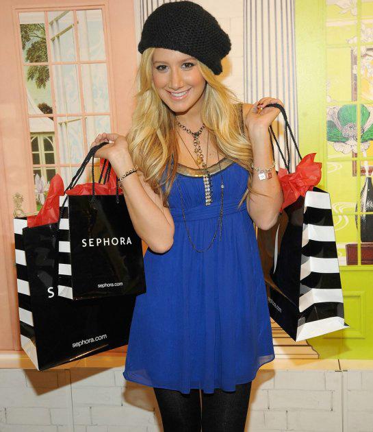 92e6f214745 Вязаные зимние шапки знаменитостей. Модные тенденции - Блог для женщин