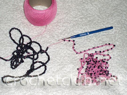 вязаные бусы розовые 4