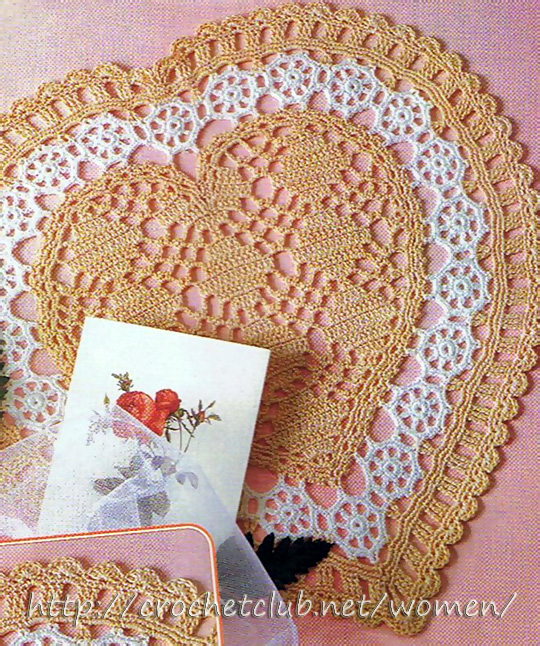 вязаная салфетка сердце 1